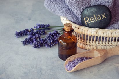Lavender-essential-oil-spa.jpg